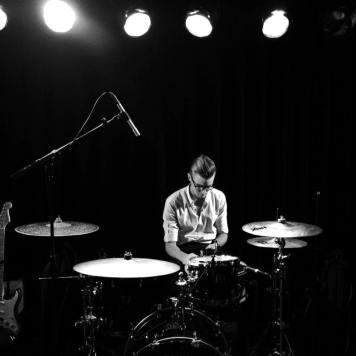 drummercymbalsemdorsedstagegigpolitikbandmusiclondonsouthafricaukkylekokott
